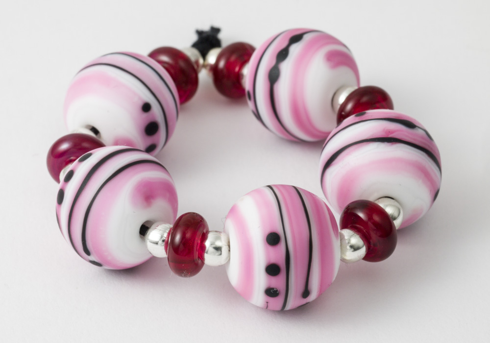 Striped beads pink