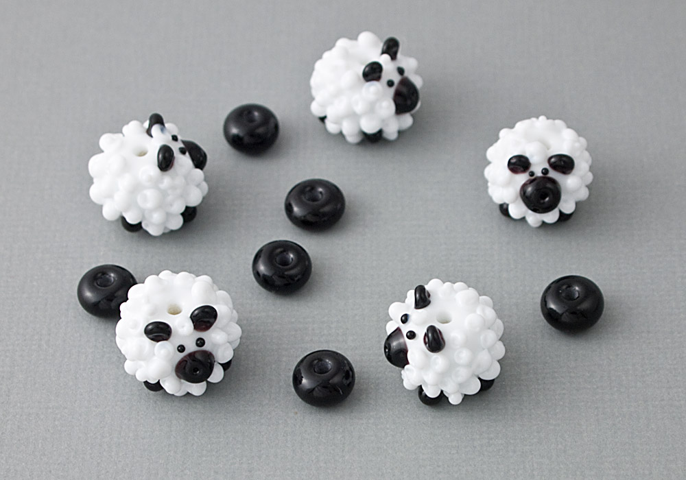 Baaa quot sheep lampwork beads by ciel creations