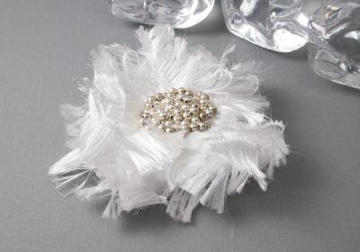 Fluffy White Flower Brooch