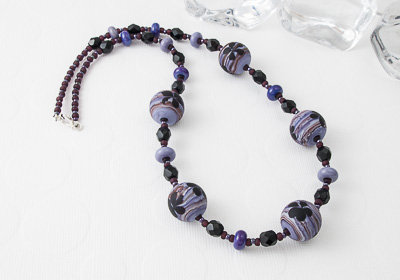 "Lampwork Necklace ""Geranium"""