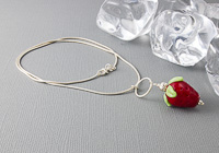 """Strawberry Delight"" Lampwork Necklace alternative view 1"