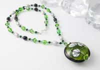 Green Flower Necklace alternative view 1